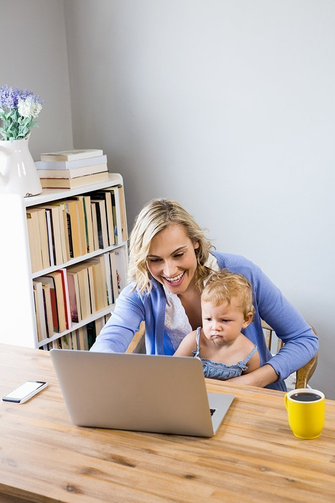 om working while holding baby